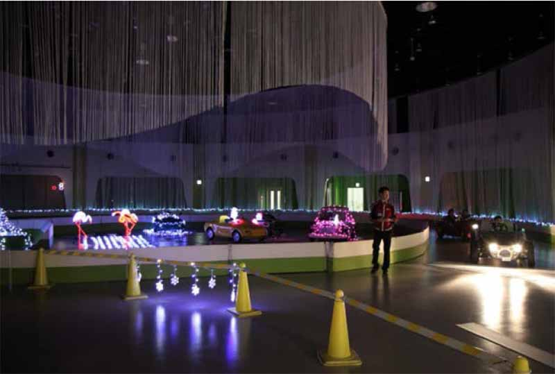 mega-web-summer-vacation-special-night-drive-experience-at-ride-studio-8-17-23-20150802-1