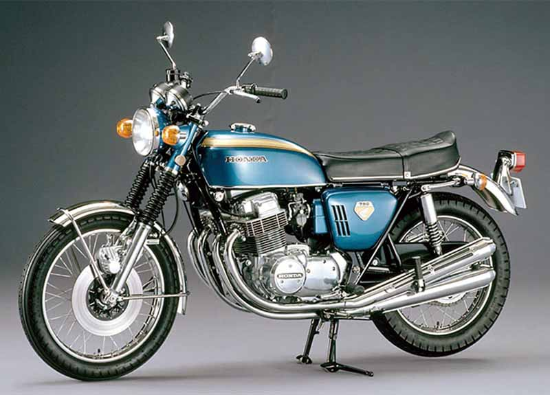 old-car-out-of-print-car-want-to-active-duty-rider-riding-survey-1-is-suzuki-gsx1100s-katana20150819-3