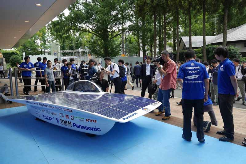 panasonic-and-support-the-tokai-university-to-challenge-the-largest-solar-car-race-of-the-world20150828-3