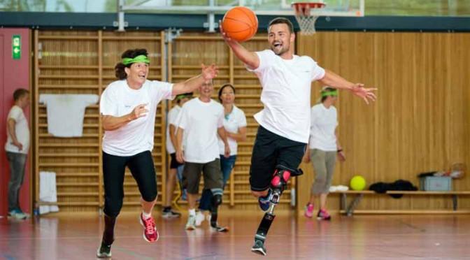 ポルシェ、大腿切断者対象のオットーボック社「ランニングクリニック」イベントを後援