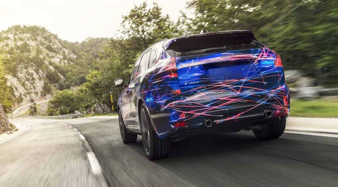 steering-performance-is-the-realization-of-jaguars-first-high-performance-crossover-f-pace-common-sense-breaking20150829-1