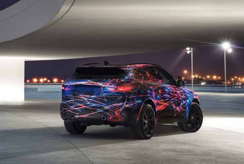 steering-performance-is-the-realization-of-jaguars-first-high-performance-crossover-f-pace-common-sense-breaking20150829-6