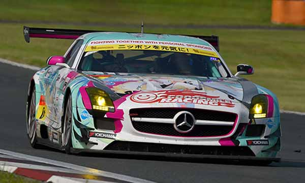 super-gt-is-second-half-of-the-season-rush-in-the-fifth-round-suzuka-somebody-win-in-the-intense-heat-of-1000km-battle20150824-5