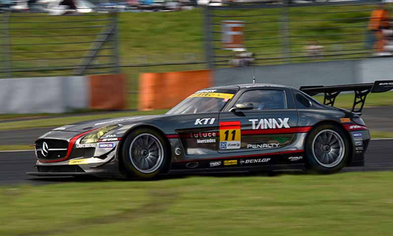 super-gt300-round-4-fuji-takagi-kobayashi-strategy-wins-also-moved-up-to-third-place-in-the-series-rank20150810-3