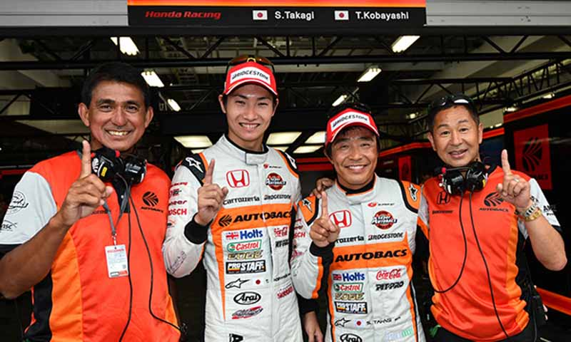 super-gt300-round-4-fuji-takagi-kobayashi-strategy-wins-also-moved-up-to-third-place-in-the-series-rank20150810-4