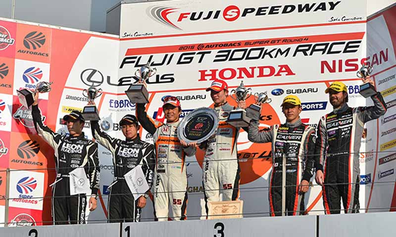 super-gt300-round-4-fuji-takagi-kobayashi-strategy-wins-also-moved-up-to-third-place-in-the-series-rank20150810-7