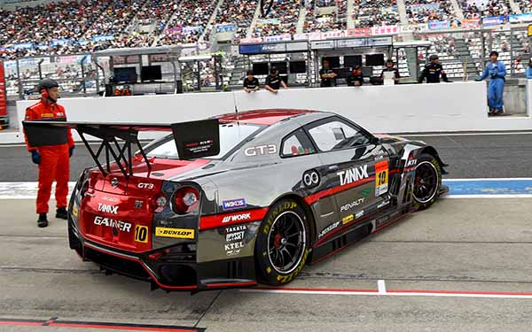 supergt-fifth-round-suzuka-gt300-qualifying-lotus-pp-won-in-course-record20150830-3