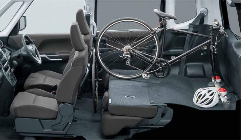 suzuki-the-new-solio-compact-hybrid-car-solio-bandit-sale20150826-10
