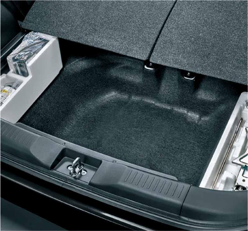 suzuki-the-new-solio-compact-hybrid-car-solio-bandit-sale20150826-9