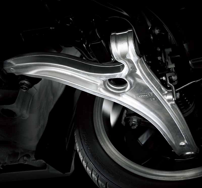 the-revamped-honda-the-tread-expansion-such-as-underbody-of-cr-z20150827-6