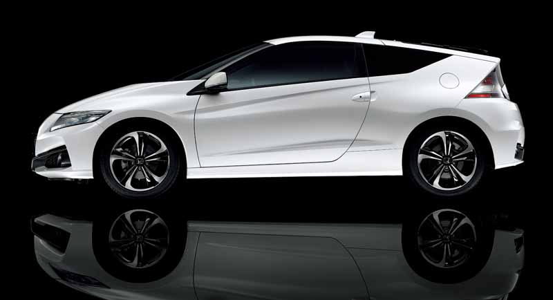 the-revamped-honda-the-tread-expansion-such-as-underbody-of-cr-z20150827-8