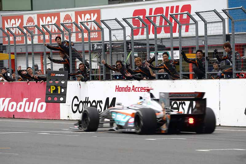 toyota-engine-podium-monopoly-in-the-fourth-round-super-formula20150824-4
