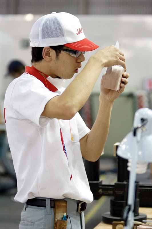 toyota-motor-corp-and-won-two-gold-medals-at-the-43rd-worldskills-international-tournament20150818-4