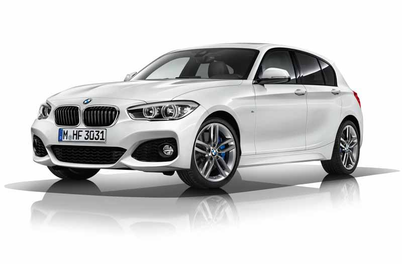 was-equipped-with-a-series-three-cylinder-engine-of-the-new-development-new-bmw-118i-announcement20150824-2