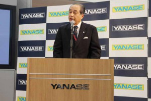 yanase-100th-anniversary-i-want-to-ride-in-such-a-mercedes-complete-showcase-event-held20150830-2