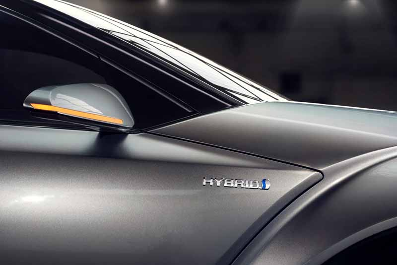 Toyota, the %22TOYOTA C-HR Concept%22 exhibition of the 5-door specifications IAA2015-5