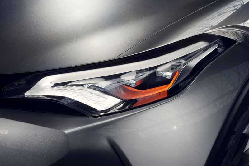 Toyota, the %22TOYOTA C-HR Concept%22 exhibition of the 5-door specifications IAA2015-8