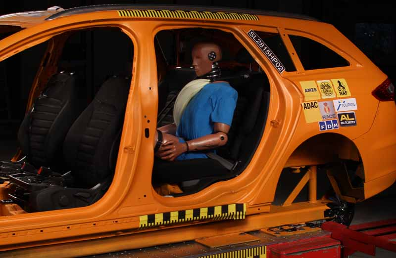 adac-urge-a-re-examination-of-the-occupant-protection-function-of-the-rear-seat20150923-4
