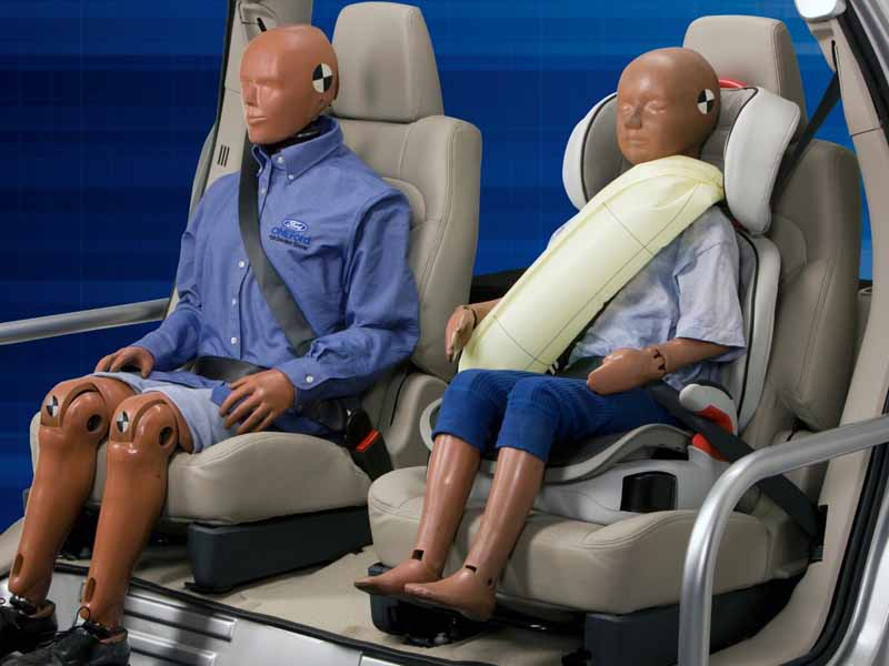 adac-urge-a-re-examination-of-the-occupant-protection-function-of-the-rear-seat20150923-5