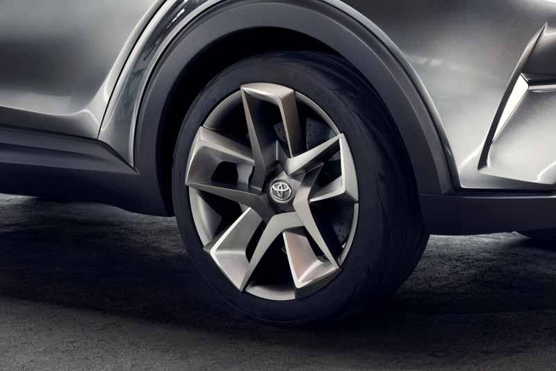 Toyota, the %22TOYOTA C-HR Concept%22 exhibition of the 5-door specifications IAA2015-7