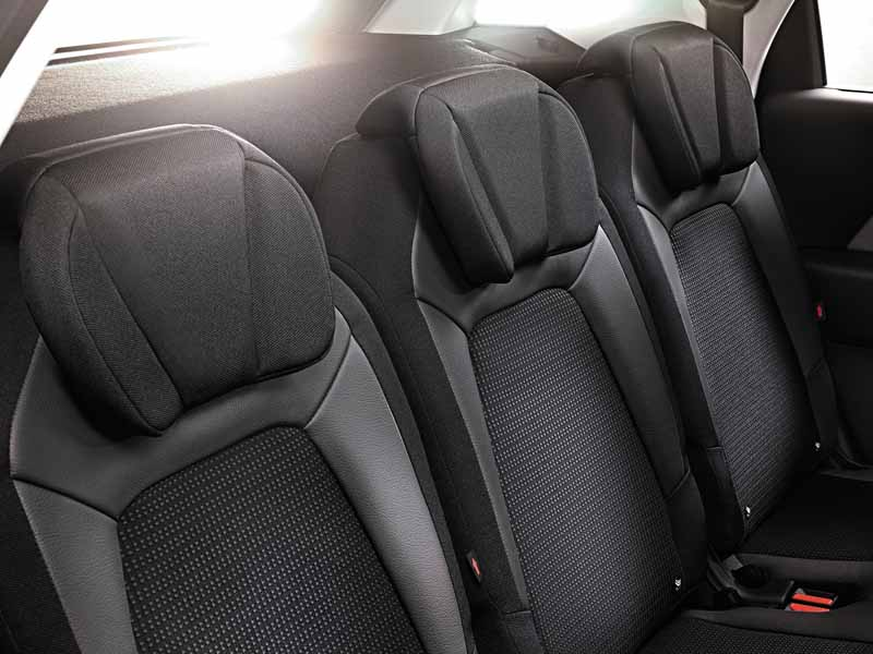 citroen-c4-picasso-1st-anniversary-are-limited-release20150930-6