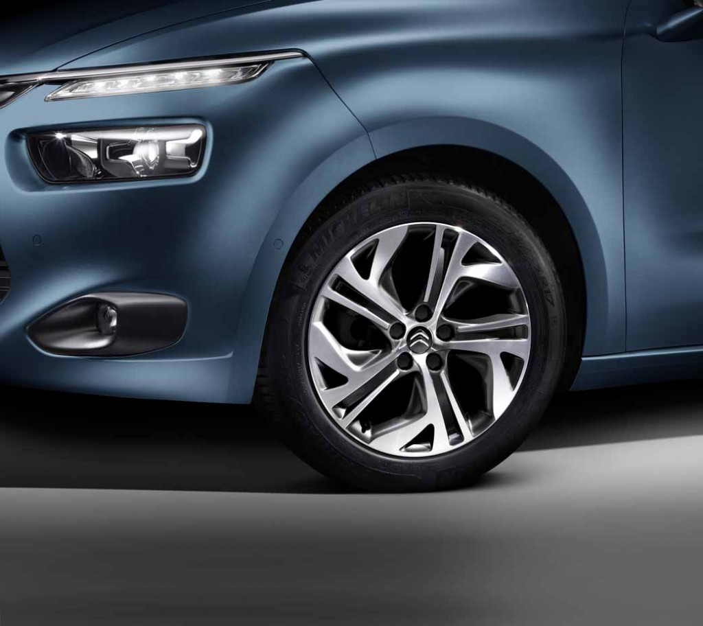 citroen-c4-picasso-1st-anniversary-are-limited-release20150930-8
