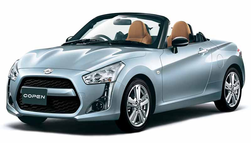 daihatsu-frog-dressed-outer-plate-of-copen-dress-formation-pre-start-accepting20150902-7