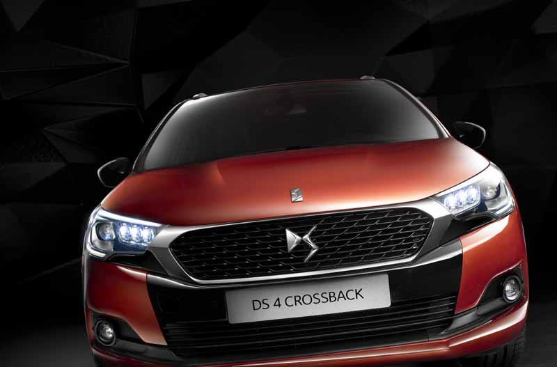ds-world-premiere-of-the-3-car-topics-in-iaa2015-0911-4