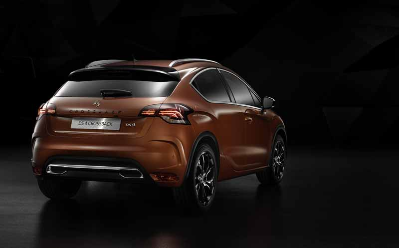 ds-world-premiere-of-the-3-car-topics-in-iaa2015-0911-5
