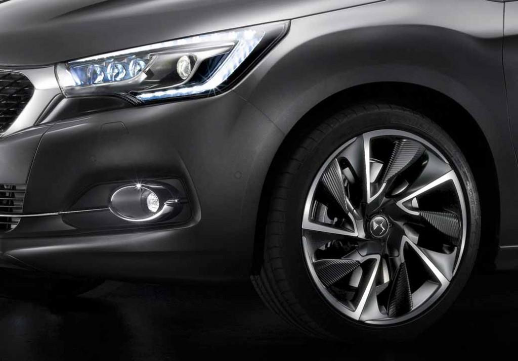 ds-world-premiere-of-the-3-car-topics-in-iaa2015-0911-8