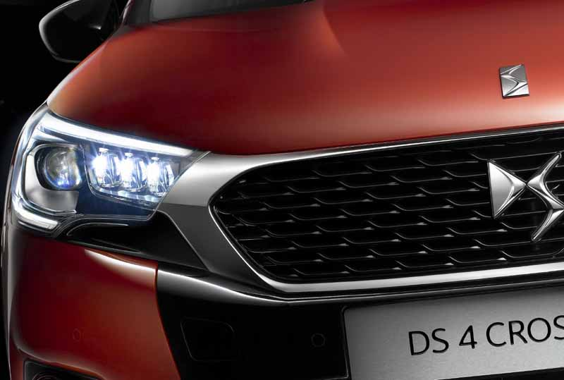 ds-world-premiere-of-the-3-car-topics-in-iaa2015-0911-9
