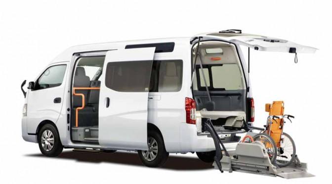 日産とオーテックジャパン「国際福祉機器展H.C.R.2015」に福祉車両6台を出展
