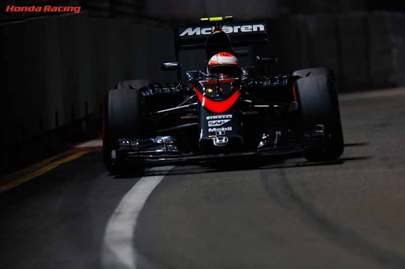 f1-singapore-gp-qualifying-official-comments-announcement-of-the-honda-camp20150920-3