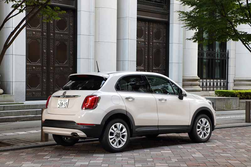 fca-japan-started-selling-the-small-suv-fiat-fiat-500x20150930-10