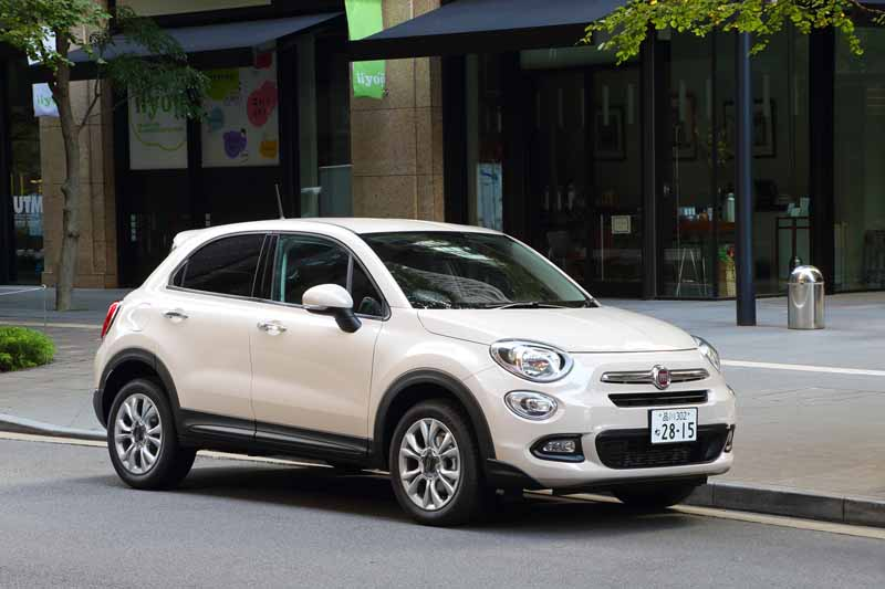 fca-japan-started-selling-the-small-suv-fiat-fiat-500x20150930-11