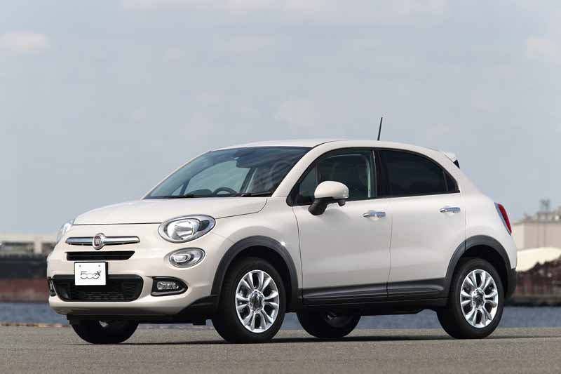 fca-japan-started-selling-the-small-suv-fiat-fiat-500x20150930-7