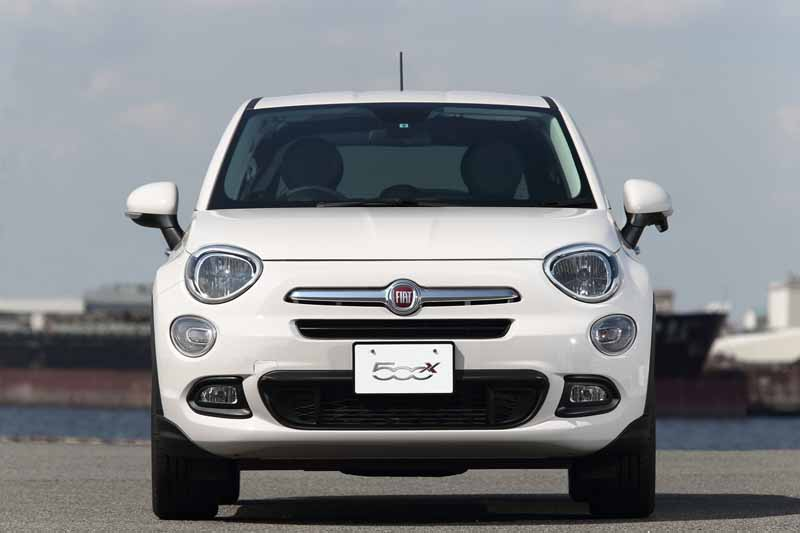 fca-japan-started-selling-the-small-suv-fiat-fiat-500x20150930-9