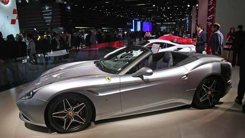 ferrari-tailor-made-california-t-exhibition-of-two-at-iaa20150918-13