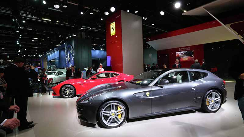 ferrari-tailor-made-california-t-exhibition-of-two-at-iaa20150918-14