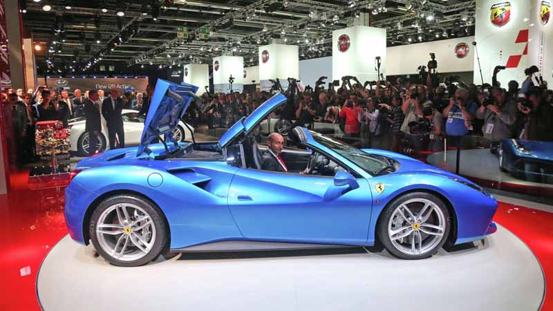 ferrari-tailor-made-california-t-exhibition-of-two-at-iaa20150918-3