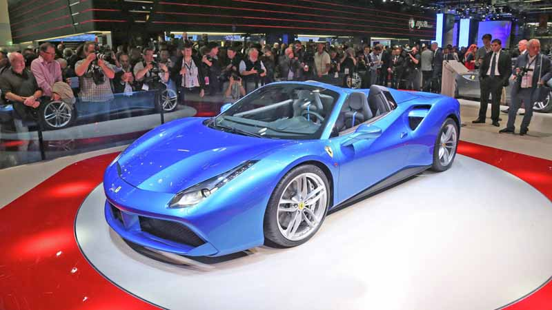 ferrari-tailor-made-california-t-exhibition-of-two-at-iaa20150918-5
