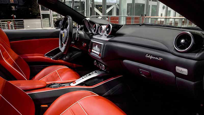 ferrari-tailor-made-california-t-exhibition-of-two-at-iaa20150918-8