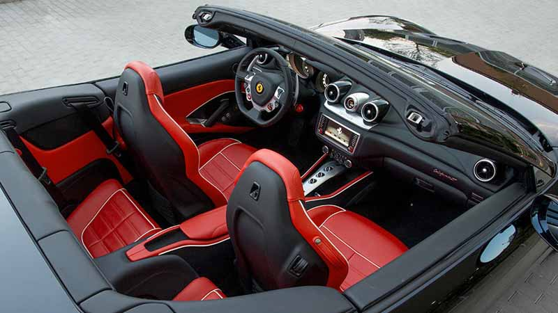 ferrari-tailor-made-california-t-exhibition-of-two-at-iaa20150918-9