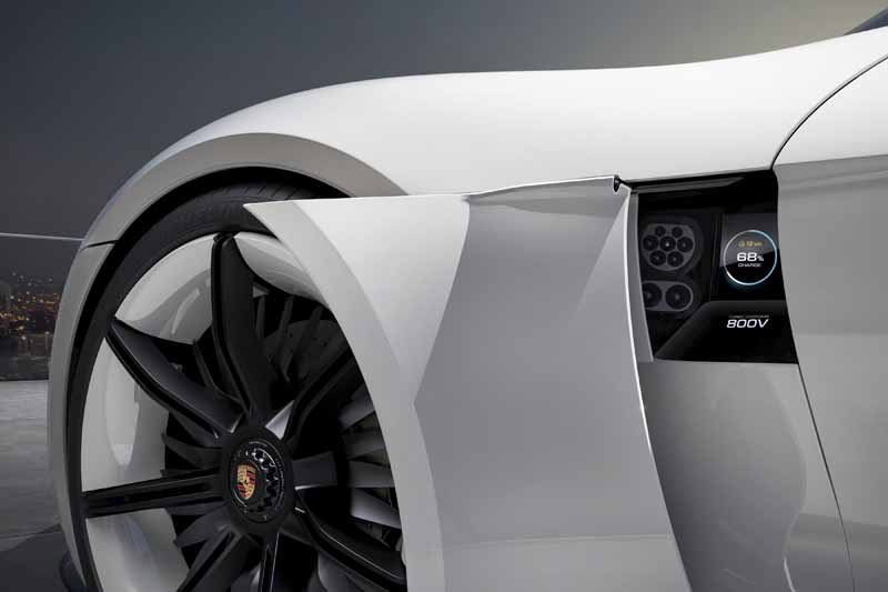 four-seater-sports-mission-e-the-birth-of-the-full-electric-drives-first-porsche20150915-1