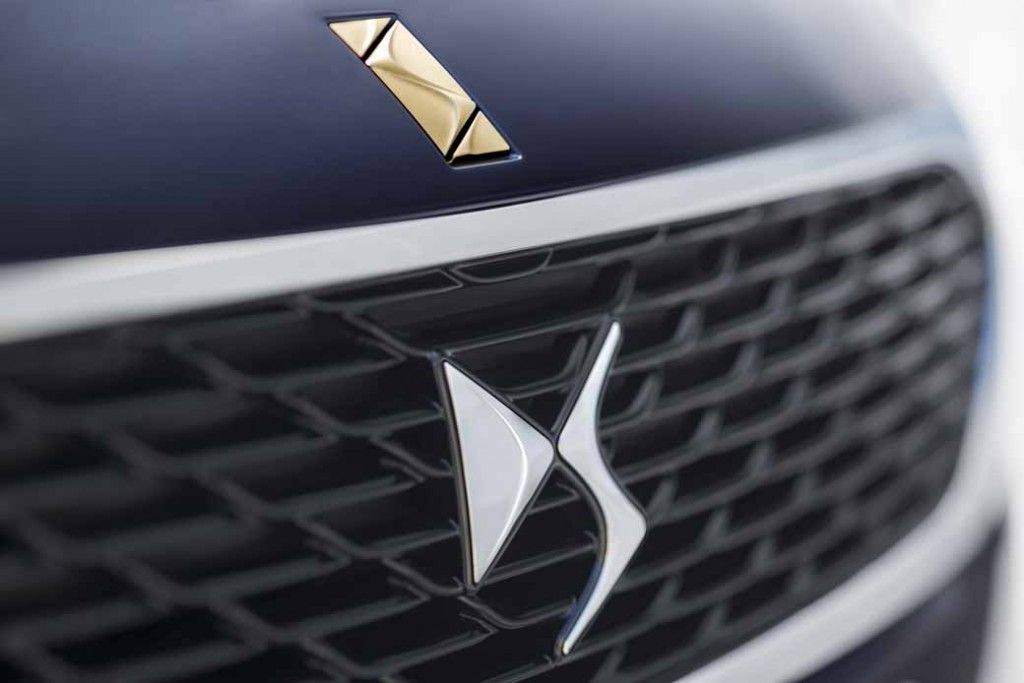 french-premium-brand-ds-and-first-exhibited-at-the-tokyo-motor-show20150928-1