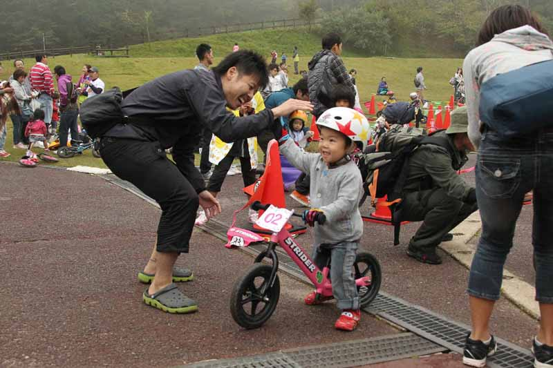 from-2-year-olds-participating-motorcycle-race-rokko-strider-enjoy-cup-201520150929-2