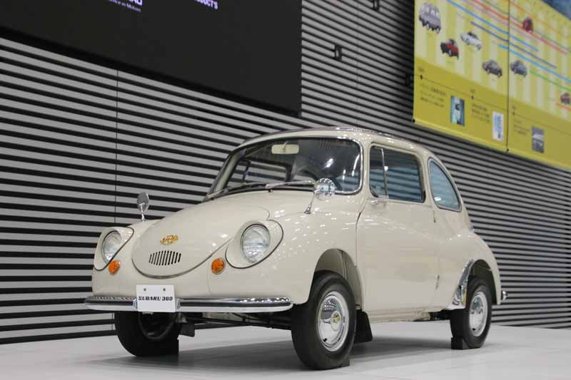 fuji-heavy-industries-ltd-and-held-the-mutsure-star-of-the-finest-cars-exhibition-at-headquarters-showroom20150917-6