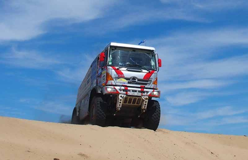 hino-the-first-race-in-china-silk-rally-20150902-1