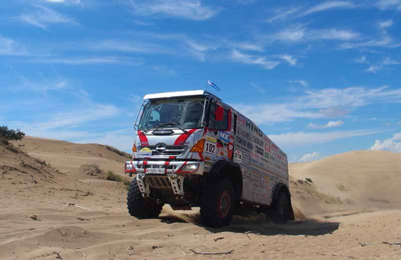 hino-the-first-race-in-china-silk-rally-20150902-5