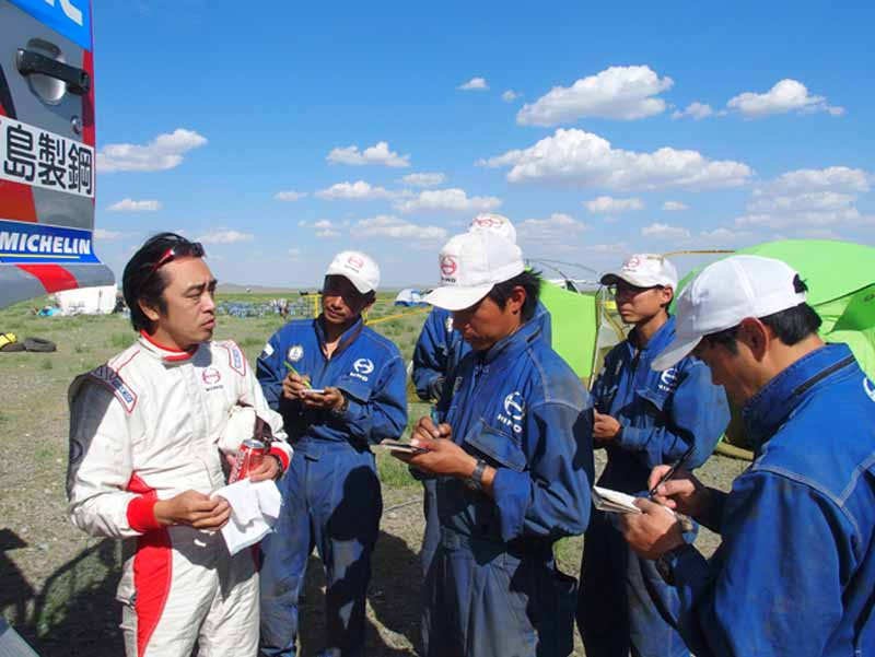 hino-the-first-race-in-china-silk-rally-20150902-7